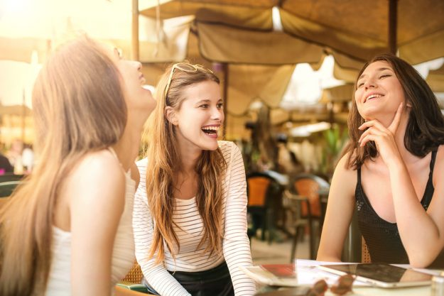 Junggesellenabschied –  Frauen im Restaurant