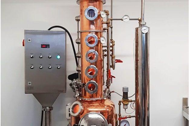 Virtuelle Brennereiführung mit Gin-Tasting zu Hause – Ginherstellung