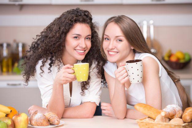 Latte-Art-Kurs Heidelberg - Freundinnen trinken Kaffee