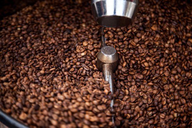 Geschenkgutschein Baristakurs – geröstete Kaffeebohnen