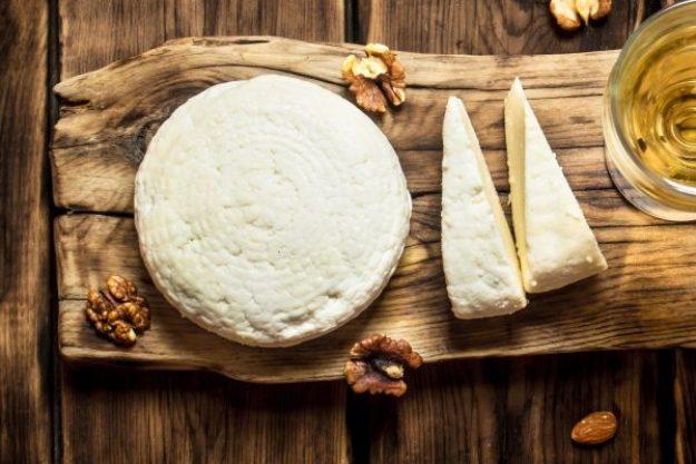 Wein uns Käse  – Käse und Nüsse