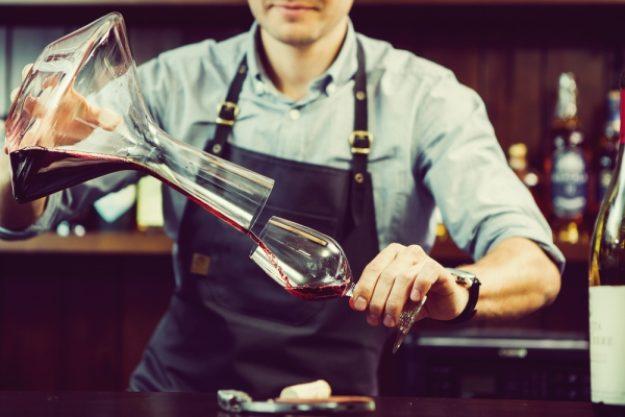 Weinseminar-Gutschein –Einschenken mit einer Karaffe