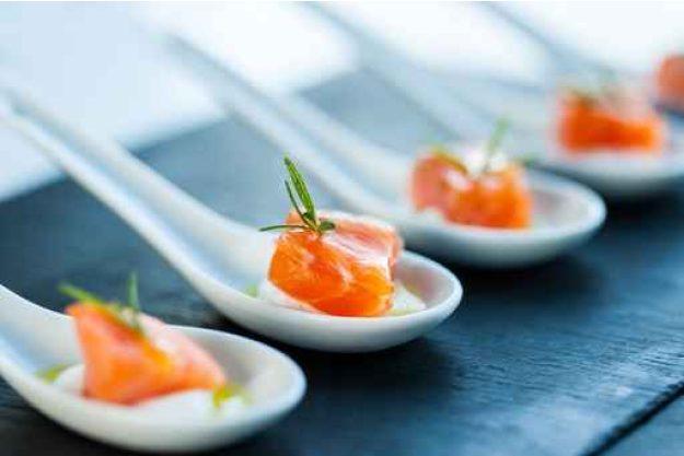 Firmenfeier Essen mit Küchenparty - Lachs Häppchen