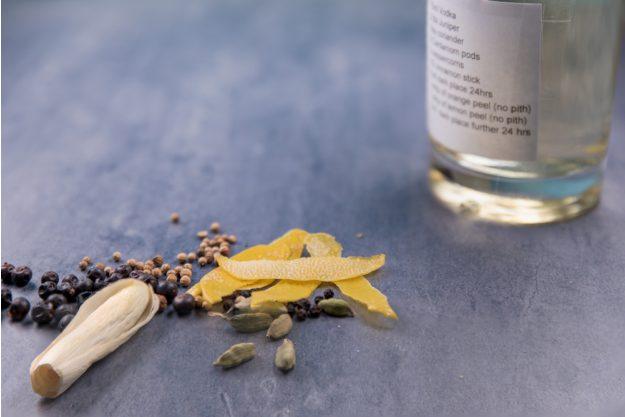 Gin selber machen Essen – Botanicals