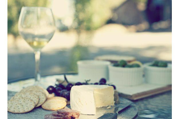 Weinseminar Essen – Wein und Käse draußen