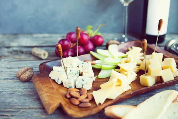 Weinseminar Essen – Wein und Käsehäppchen