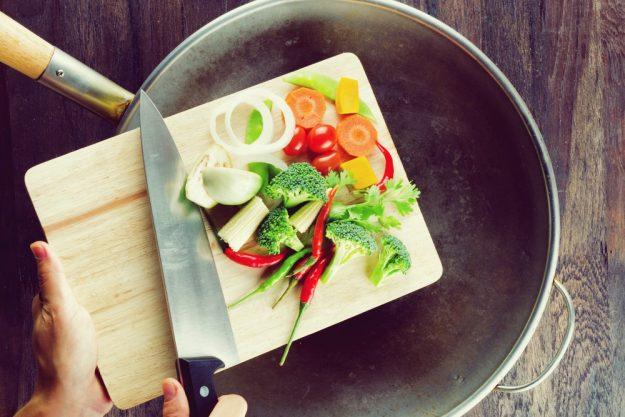Asia-Kochkurs-Herten – Gemüse schneiden und im Wok garen
