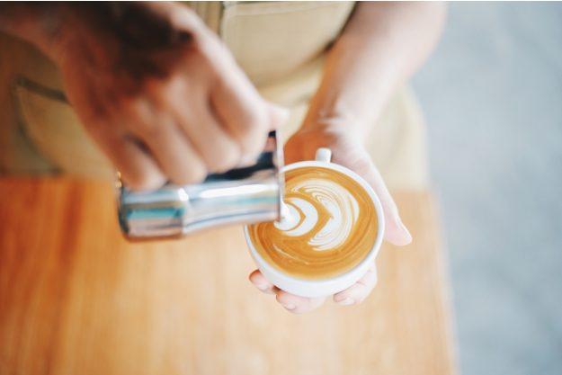 Latte-Art Kurs Herten – Milchschaum eingiessen