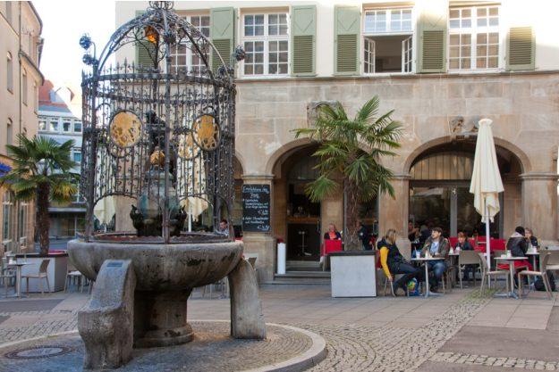 Firmenfeier Stuttgart mit Locationhopping & Kochevent - Hans im Glück Brunnen