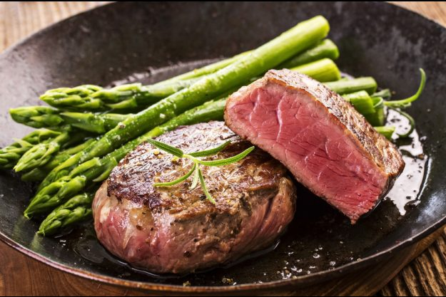 Fleisch-Kochkurs Stuttgart – grüner Spargel und zartes Filet