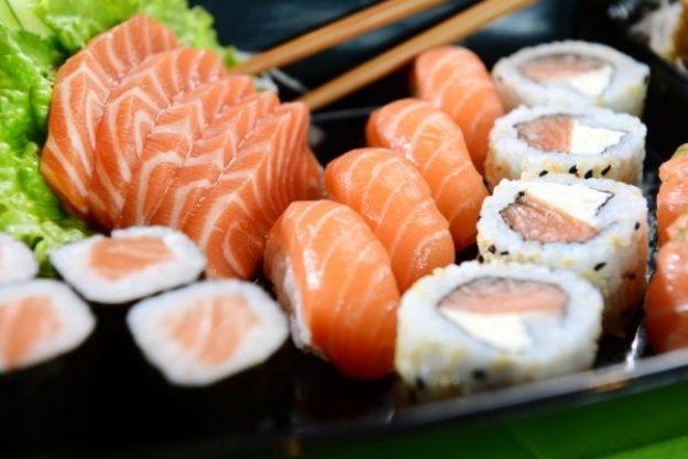 Japanischer Kochkurs Stuttgart – Sushi-Nigiri und Sashimi mit Fisch und frischem Wasabi
