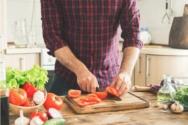 Männerkochkurs Stuttgart – Tomaten schneiden