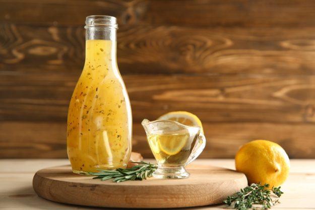 Mediterraner Kochkurs Stuttgart – Zitronenöl mit Kräutern
