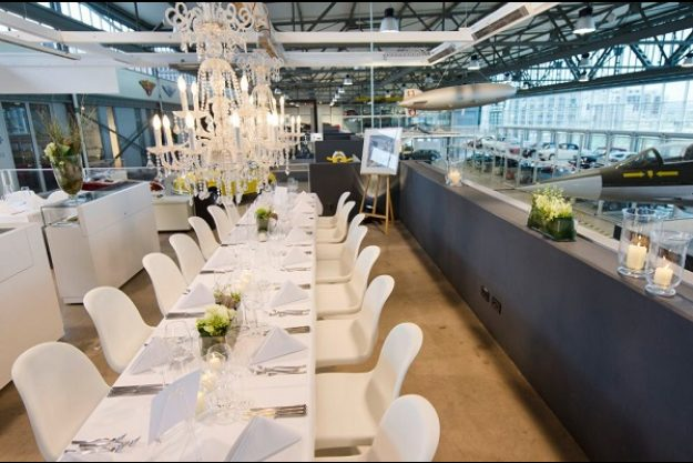 Firmenfeier Stuttgart mit Küchenparty Tafel
