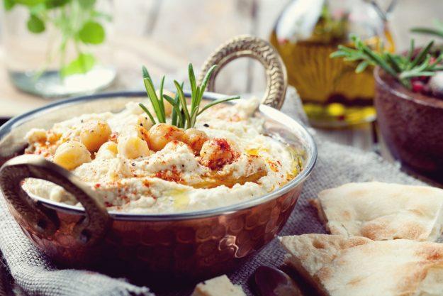 Orientalischer Kochkurs Stuttgart – Kupferschale mit Hummus
