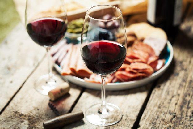 Weinprobe Ludwigsburg – Rotwein und Schinken
