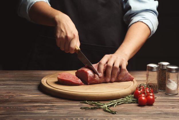 Fleisch-Kochkurs Berlin – Fleisch schneiden
