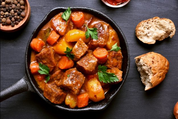 Fleisch-Kochkurs Berlin – Gulasch mit Kartoffeln