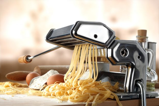 Geschenk-Gutschein-Kochkurs – Nudelteig vorbereiten