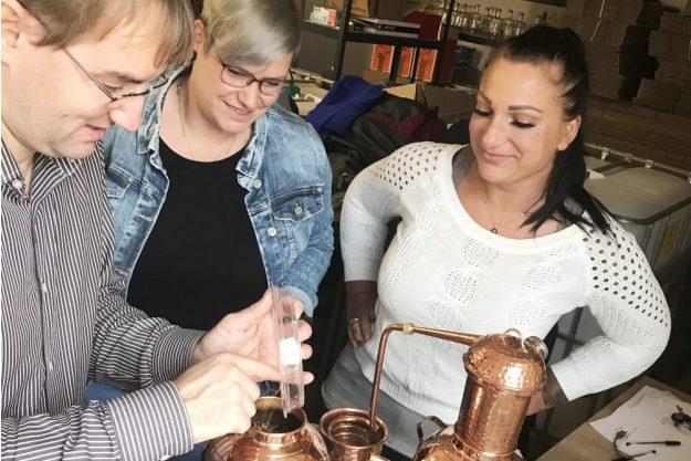 Gin selber machen Berlin – Gemeinsam Gin machen