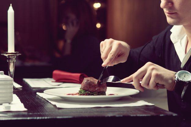 Kulinarische Stadtführung Berlin – Steak im Restaurant