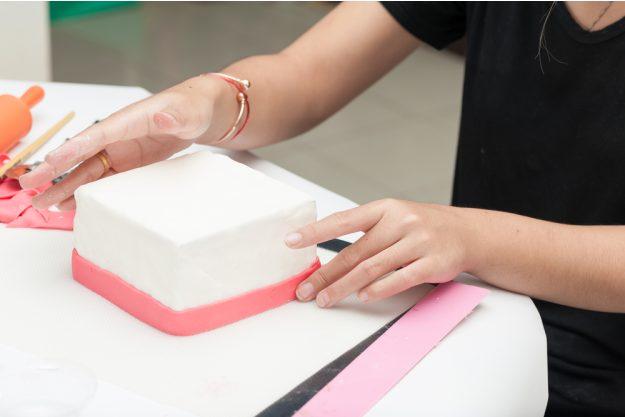 Tortendekorations-Kurs Berlin-Mahlow – eckige Torte
