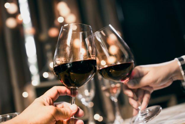 Weinprobe Online – Rotwein im Glas
