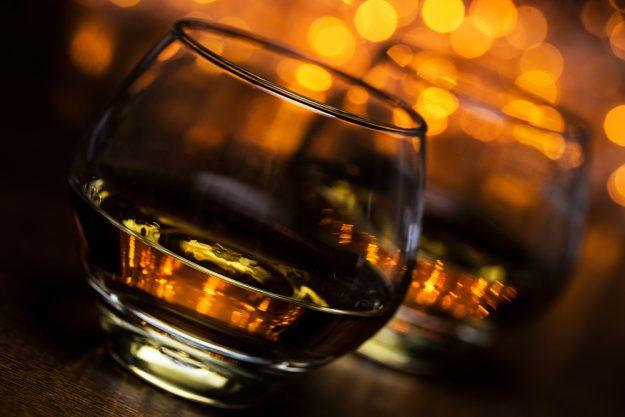 Geschenkgutschein Whisky-Tasting – Whisky im Glas