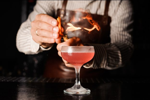 Geschenkgutschein Cocktailkurs – flambierter Cocktail