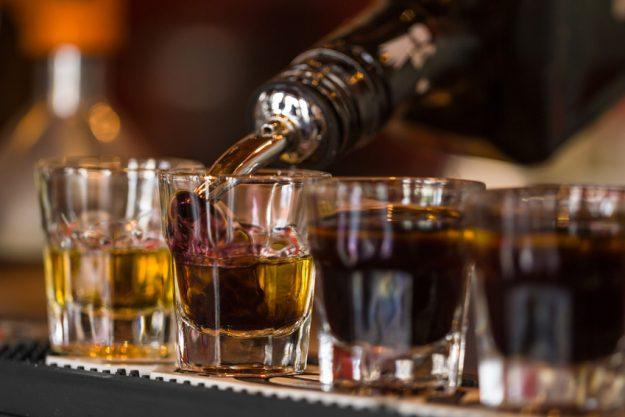 Whisky-Tasting Regensburg – Whisky einschenken