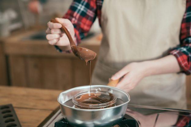 JGA mit Pralinenkurs Dresden – Schokolade schmelzen