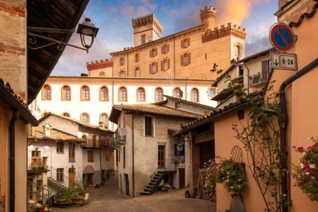 virtuelle Reise ins Piemont typische Stadtansicht