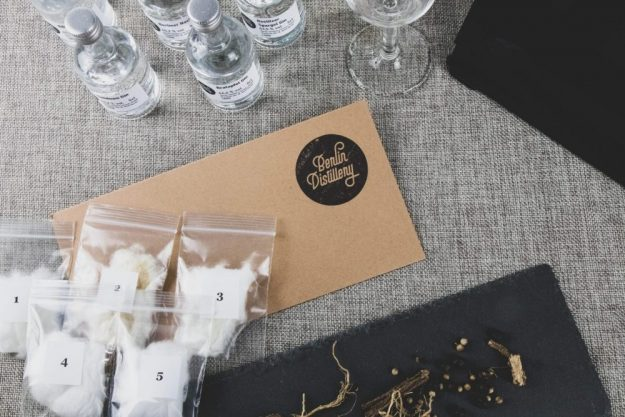 Virtuelle Brennereiführung mit Gin-Tasting zu Hause – Duftproben