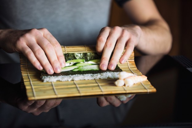 Sushi-Kochkurs Wuppertal – Sushi rollen mit Avocado