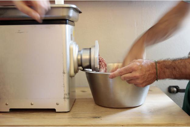 Wurst-Kochkurs bei Herrmannsdorfer in Glonn – Weißwurst Brezn