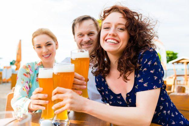 Braukurs München - Im Biergarten mit Freunden anstoßen