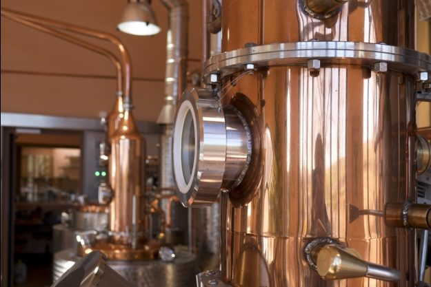 Virtuelle Brennereiführung mit Gin-Tasting zu Hause – Brennblase der Destillerie