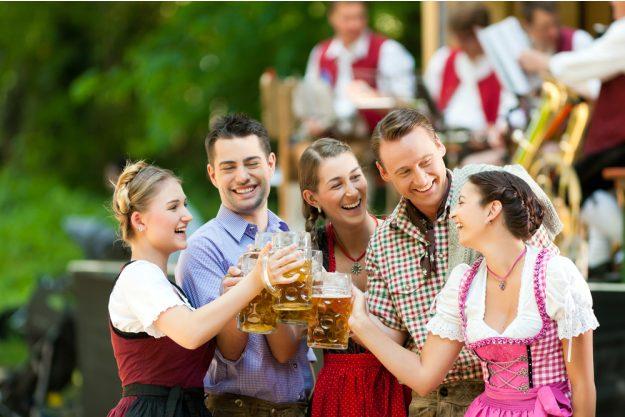 Firmenfeier München - Kollegen auf dem Oktoberfest