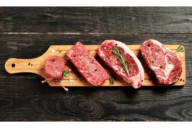 Fleisch-Kochkurs in München - Fleisch auf Brett