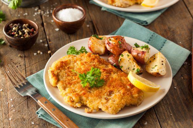 Österreich-Kochkurs München –  Schnitzel mit Ofenkartoffeln