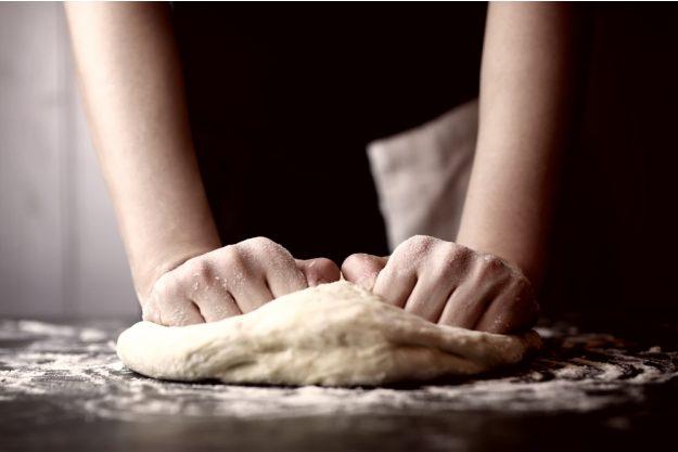 Online-kochkurs-Pizza-Teig kneten für PIzza