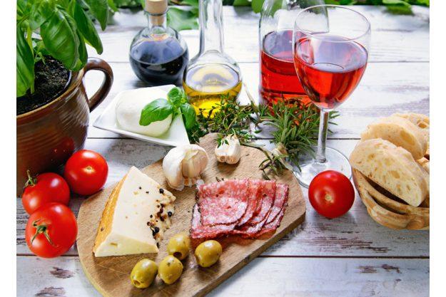 Weihnachtliche Weinparty - Wein und Antipasti