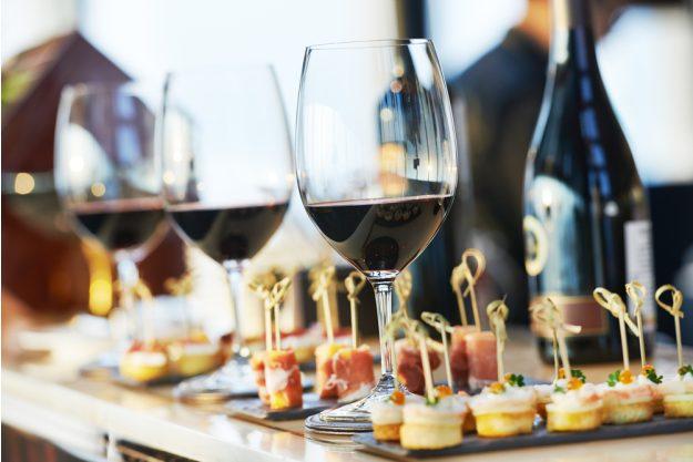 Weihnachtsfeier München – Wein und Antipasti