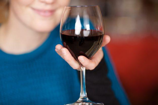 Weinseminar München – Rotwein in der Hand