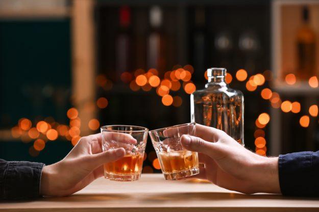 Whisky-Tasting München - mit Whisky anstoßen