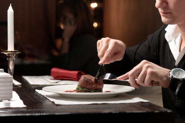 Geschenkgutschein Krimi-Dinner – leckeres Dinner