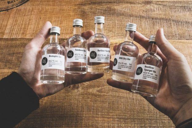 Virtuelle Brennereiführung mit Gin-Tasting zu Hause – Spargel und BBQ Gin