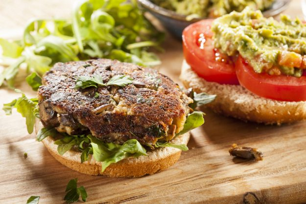 Teambuilding Hamburger mit Salat