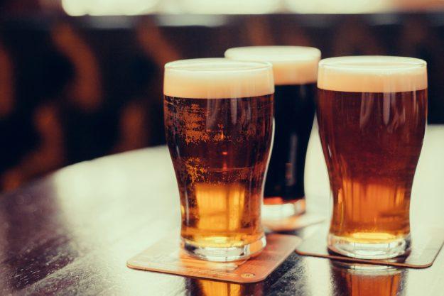 Bierprobe Hamburg – Craft Biere auf Tisch