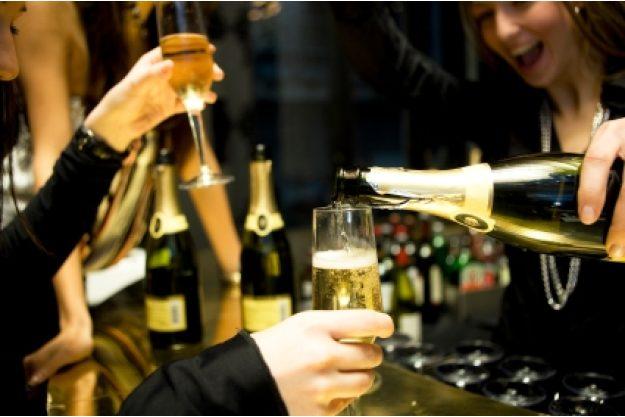 Incentive mit Champagnerverkostung Hamburg - ausgelassene Stimmung